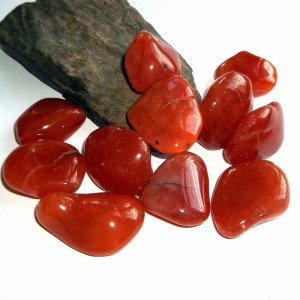 Carnelian gemstones from earthegy